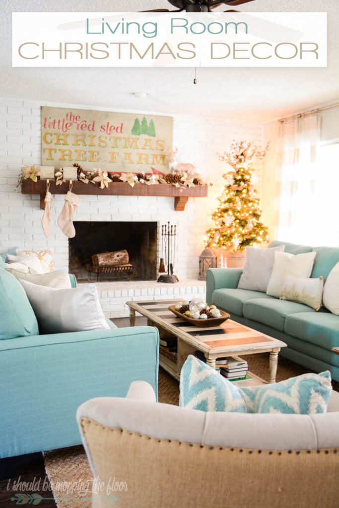 living-room-christmas-decor-i-should-be-mopping-the-floor
