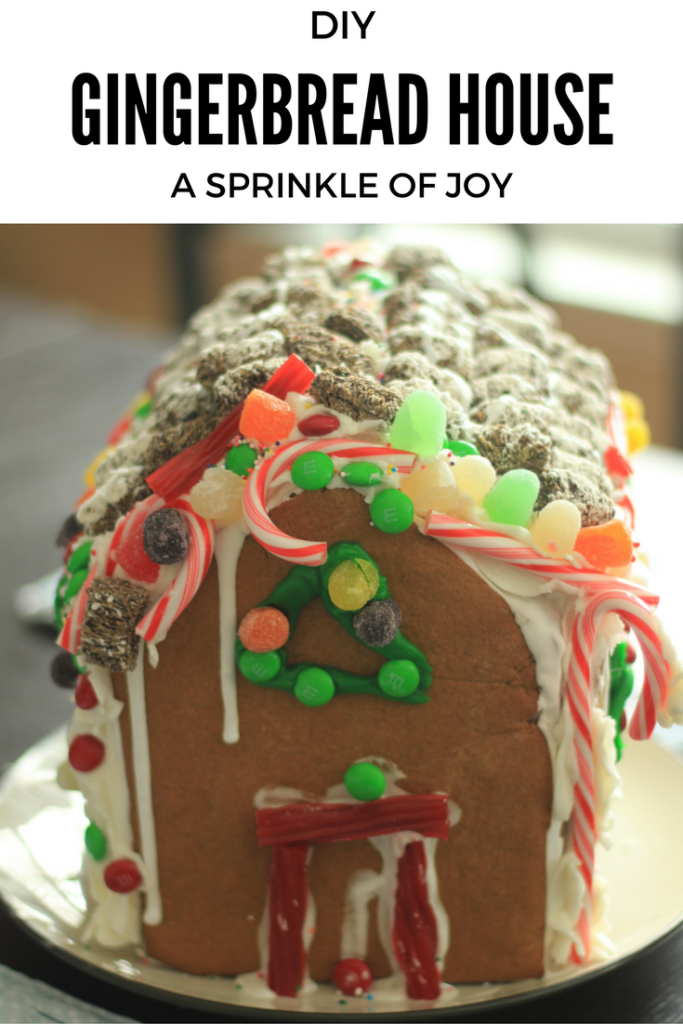 An easy way to make your own gingerbread house.