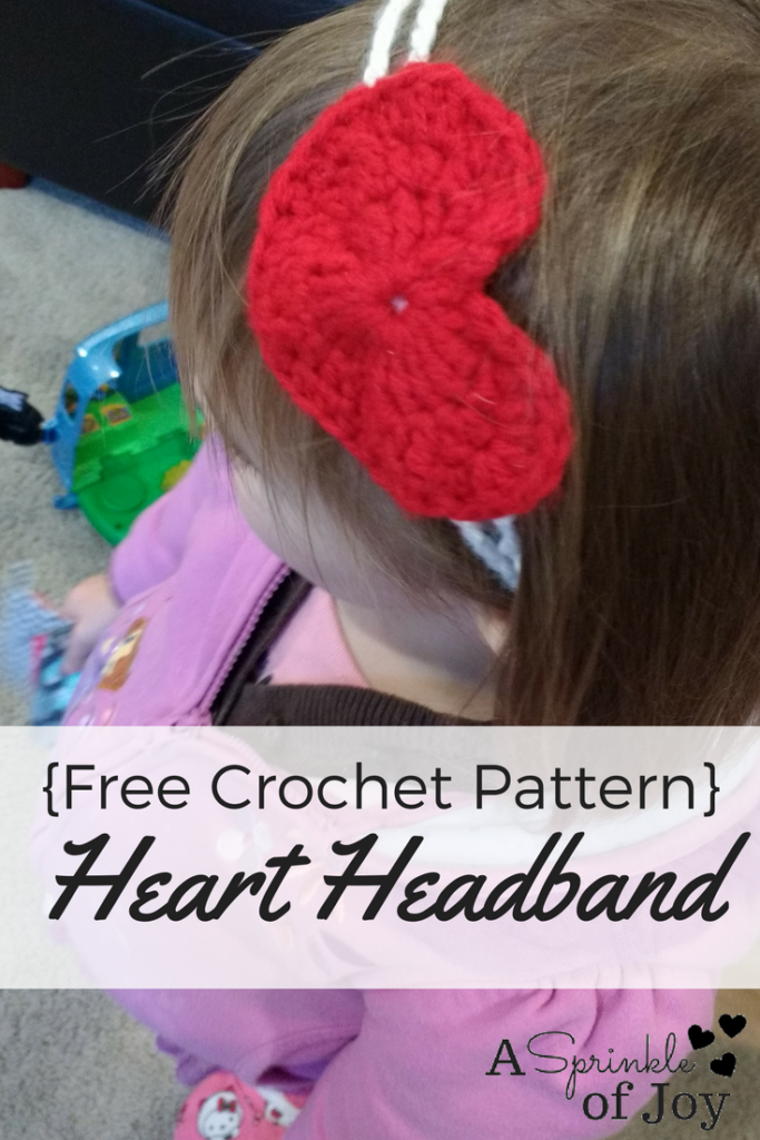 Free crochet pattern for heart headband with lots of pictures. Easy to do.